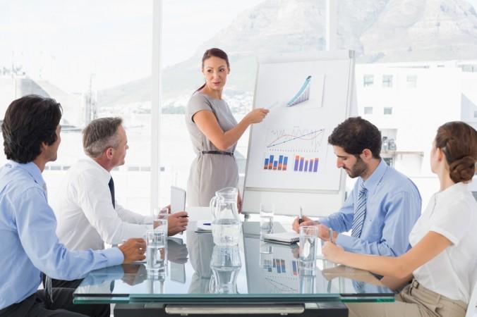Es gibt unterschiedliche Arten von Infografiken, die zu verschiedenen Zwecken eingesetzt werden. Beispielsweise werden Unternehmensziele mit Hilfe von Grafiken präsentiert, Prozessverläufe dokumentiert, oder Zahlen und Mengen visuell dargstellt. (#1)